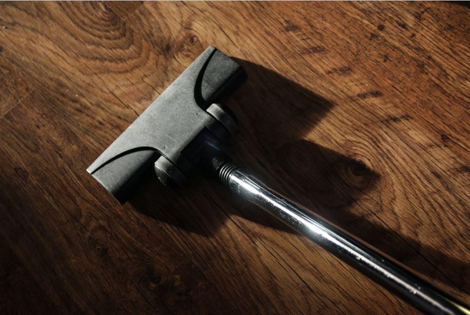 hardwood floor cordless vacuum